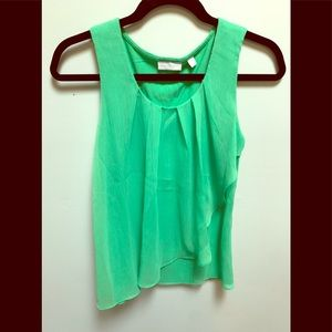 Double layer tank with ruffle